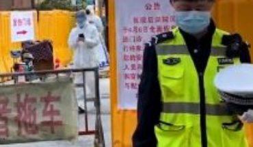 """China rinde homenaje a los """"mártires"""" y fallecidos por el virus"""
