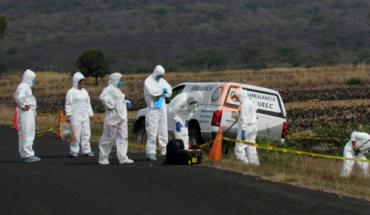 Encuentran restos en descomposición de dos personas cerca de la carretera Uruapan-Paracho