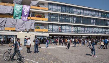 Estudiantes entregan Filosofía y Letras por la emergencia; demandas no han sido cumplidas, dicen