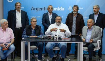 Fernández recibió a la CGT y acordaron retomar trabajos desde el 13 de abril