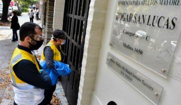 Más casos en geriátricos: un muerto y siete infectados en Parque Avellaneda