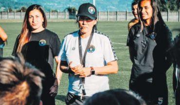 """Monitoreo a distancia, charlas tácticas y coaching es la pauta de Paula Navarro para sus """"Bohemias"""""""