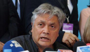 Navarro apunta a una acusación constitucional contra Piñera por mandato a funcionarios públicos