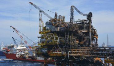 Petróleo mexicano sube a 7.12 dólares por barril, tras desplome del lunes