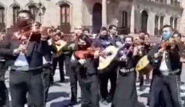 Protestan mariachis en Nuevo León para que los dejen trabajar pese al Covid-19