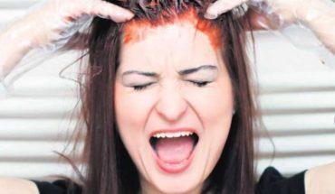 Siga esta guía para teñirse el pelo en casa y obtener resultados impecables