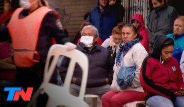 Coronavirus - Argentina en cuarentena | La espera de los jubilados en los bancos para poder cobrar