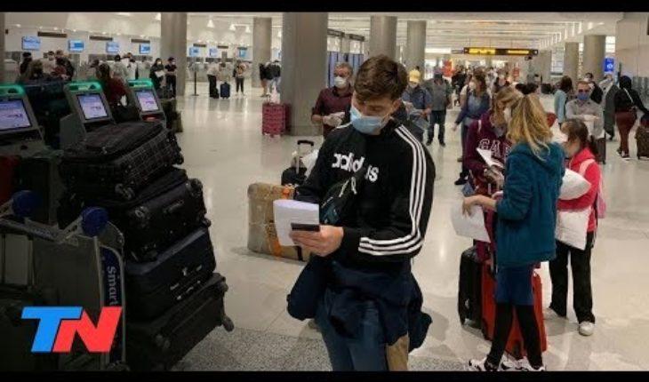 Cuarentena | Tras un mes sin vuelos a Madrid, Aerolíneas vuelve a traer repatriados