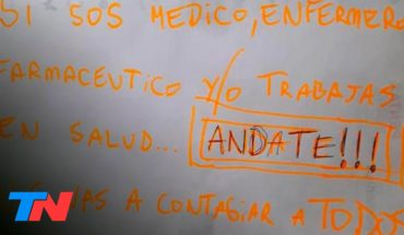 """Discriminan a los que nos cuidan   Médicos discriminados: """"Andate, nos vas a contagiar a todos""""."""