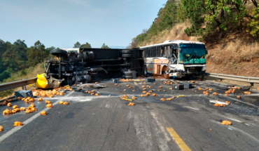 """A deceased and 5 injured in trailer crash and passenger bus on the runway """"21st century"""""""