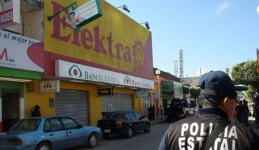 Elektra is only allowed essential service for remittances: CDMX government
