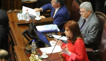 Opposition senators asked CFK to session at the Deputies campus