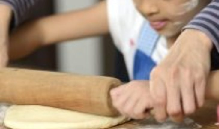 Science lessons for children to learn while making bread during confinement