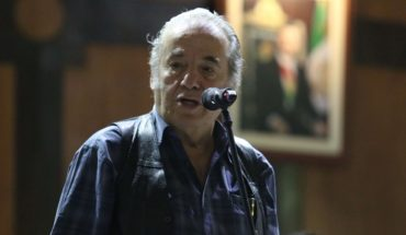 Singer ecar Chavez is hospitalized with coVID-19 symptoms