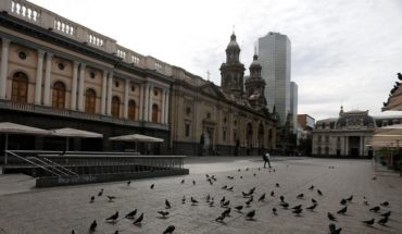 """They arrest a woman infected with Covid-19 in the Plaza de Armas: she said she went out to """"walk"""" and arrived by public transport"""