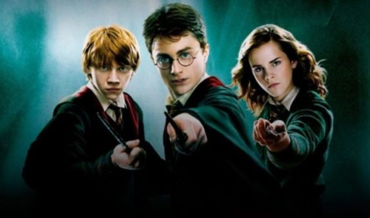 """They offer $1000 to watch all the """"Harry Potter"""" movies"""