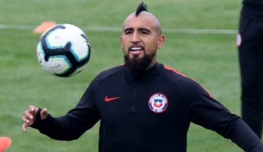 """[VIDEO] Vidal appears on FIFA record applauding the """"heroes of humanity"""""""