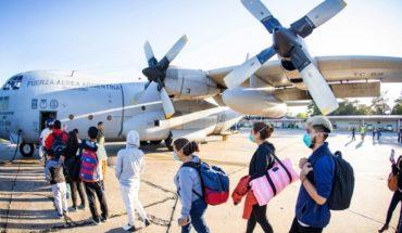 ¿Qué impide a los argentinos varados en el exterior volver al país?