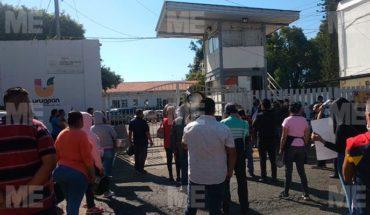 """A """"cacerolazos"""" protestan dueños de taquerías, fondas y puestos de comida en Uruapan"""