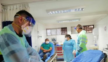 Advierten de al menos 780 funcionarios contagiados y 2.400 en cuarentena en la red pública de salud