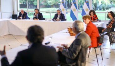 Alberto Fernández se reúne con infectólogos antes de definir la nueva cuarentena