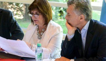 """Bullrich dijo que Macri no está expuesto para no ser """"el puching ball"""" del oficialismo"""