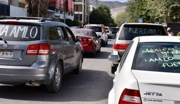 Con caravana de más de 500 vehículos exigen renuncia de AMLO en torreón