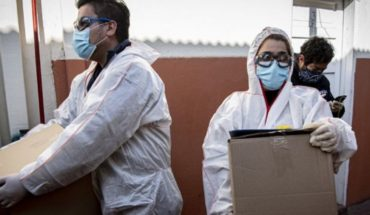 """Covid-19 en Chile: dos ministros infectados y brote """"fuera de control"""""""