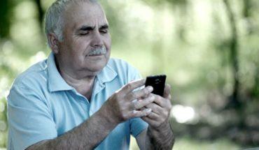 Empresas lanzan un call center para adultos mayores en CABA