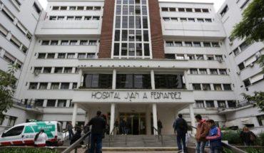 En grave estado: internaron al jefe de enfermería del Hospital Fernández por coronavirus