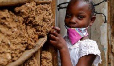 Impone el coronavirus un nuevo peinado en África