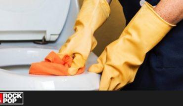 Indonesia obliga a limpiar baños a quienes no mantengan distancia social