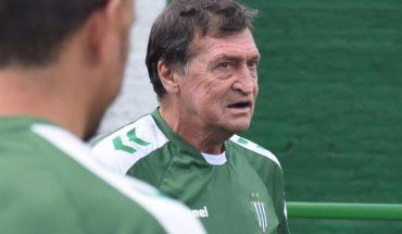 Julio César Falcioni dejará de ser el entrenador de Banfield