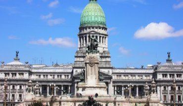Los empleados legislativos cobrarán un adicional por el coronavirus
