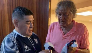 """Maradona despidió al """"Trinche"""" Carlovich: """"Con tu humildad nos bailaste a todos"""""""