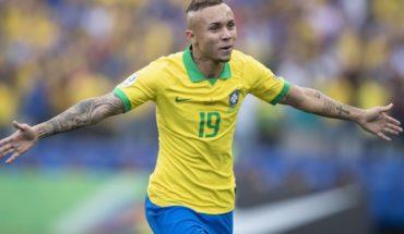 """""""No es una gripecita"""": Everton contra Bolsonaro tras la muerte de su abuelo"""