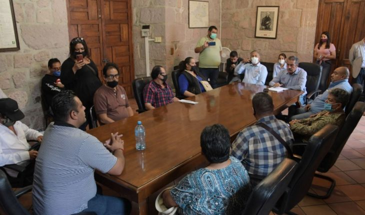 Raúl Morón acuerda con comerciantes semifijos para reforzar medidas sanitarias