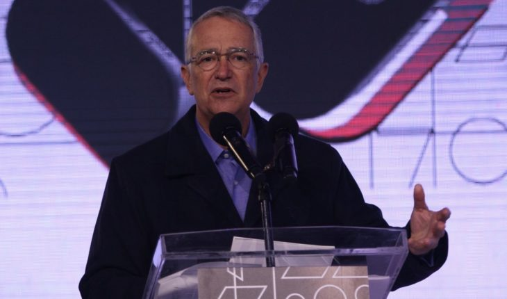 Ricardo Salinas critica aislamiento por COVID