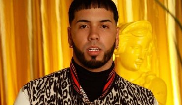 """Anuel AA presented her album """"Emmanuel"""" and premiered video with Messi and Suarez"""