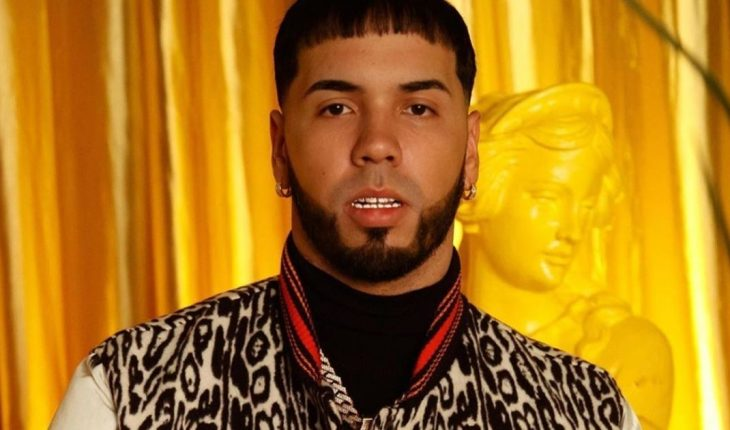 "Anuel AA presented her album ""Emmanuel"" and premiered video with Messi and Suarez"