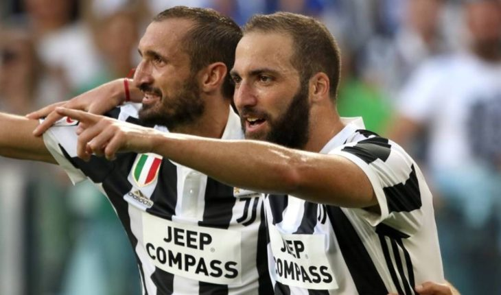 "Chiellini about Higuain: ""I hated it, but when I met him I was surprised"""