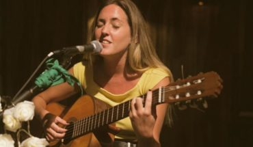 """Clara Ballestero takes her first steps and presented her single """"The Full Moon"""""""