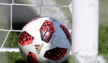 FIFA makes amendments to its regulations authorizing 5 changes and the VAR disappears