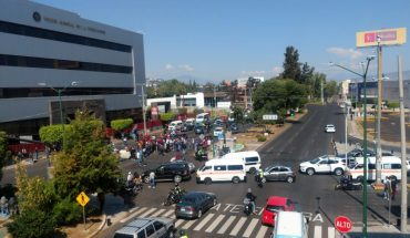 Normalists from Michoacán were demonstrated outside the Judiciary of the Federation
