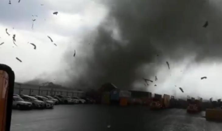 Register a tornado with thunderstorm in Nuevo León (Video)