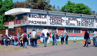 Researchers, teachers and education analysts in Mexico criticize acting as governments against normalists