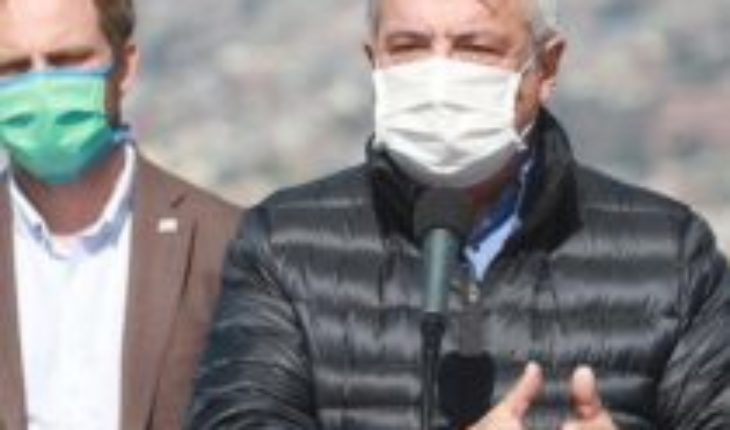 """The """"Battle of Santiago"""" against covid-19: Mañalich reports again more than a thousand contagions daily and complains about the low compliance of quarantine in the MRI"""
