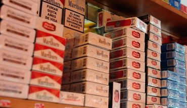 Video: race to get cigarettes in full quarantine