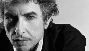 Who the hell is Bob Dylan? The answer is in the wind