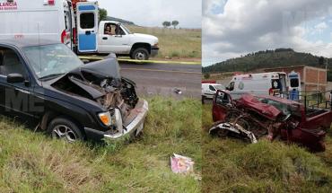 Chocan 3 camionetas en la carretera Tiripetío-Acuitzio